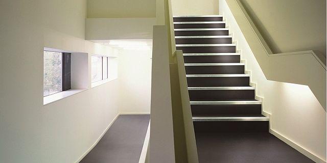 PEPPER_Matt stairs.jpg