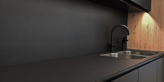 PTW Sydney office - Pepper Matt 10mm Benchtop and Splashback5 edit.jpg