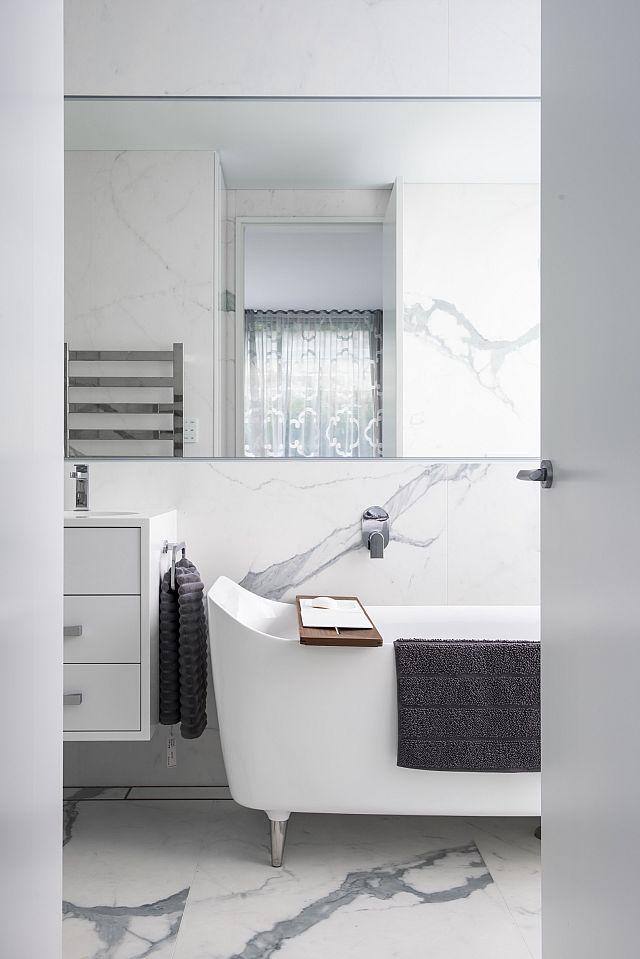_DSC3735 bathrooms walls.jpg