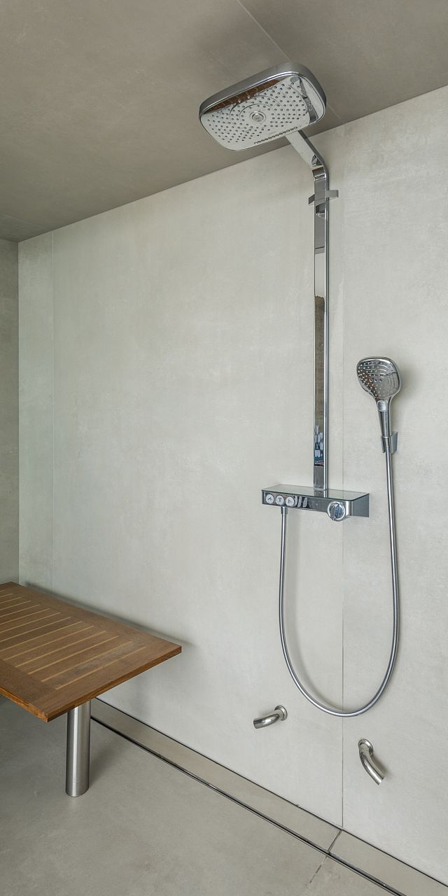Fuglsang_07 bathrooms showers walls.jpg