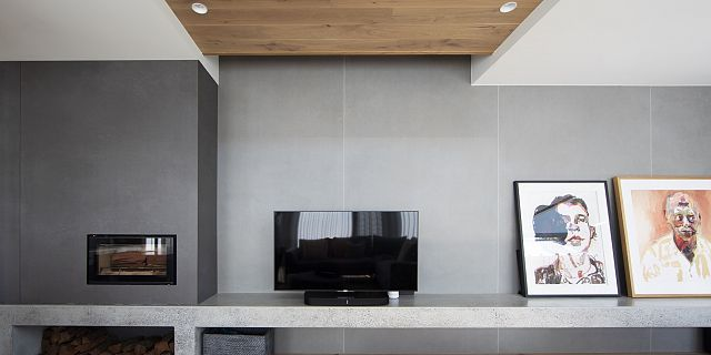 Neptune fireplace and Mercury wall. By idearchitecture and installation by Rokstone. Photography by Tara Robson.jpg